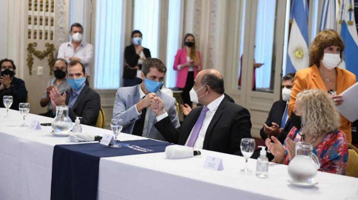 Invertirán $1.800 millones para obras cloacales en Alderetes y Banda del Río Salí.