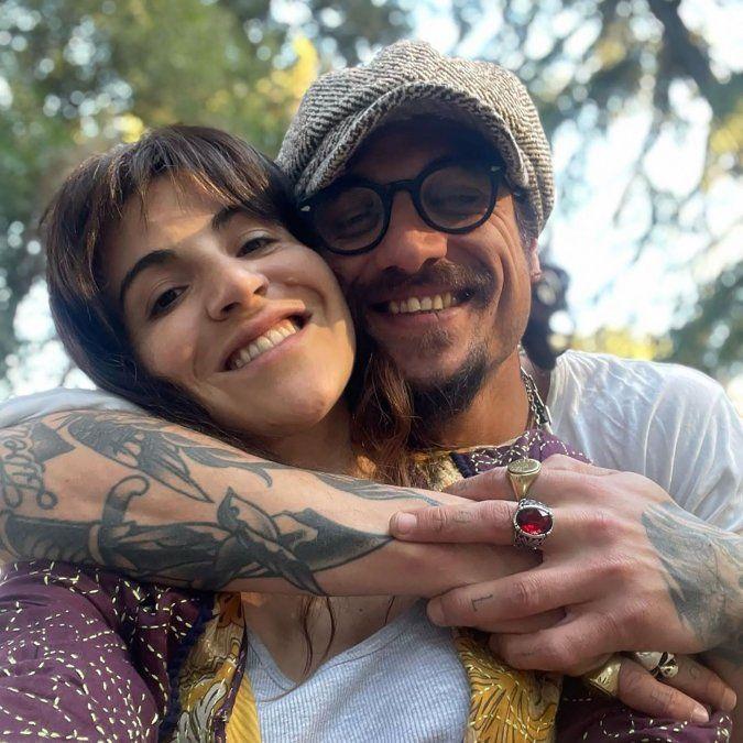 Gianinna Maradona y Daniel Osvaldo a los besos