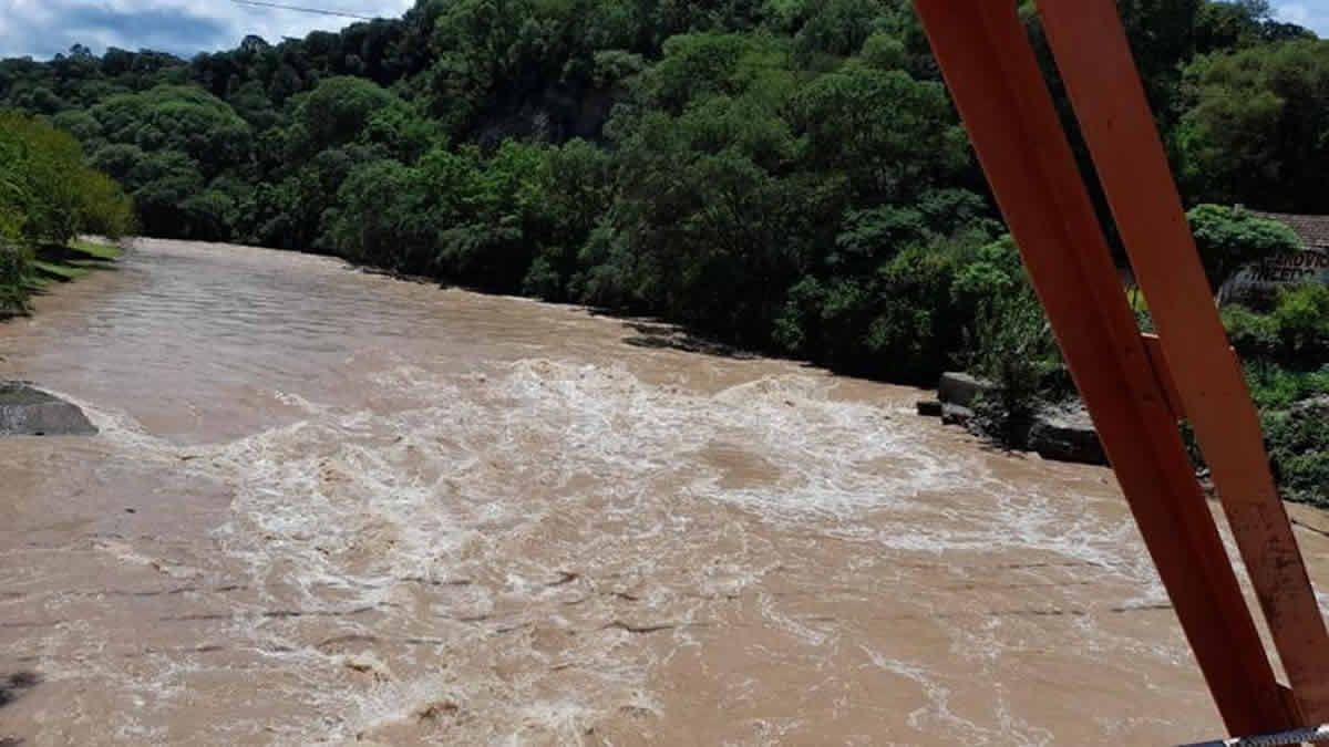Se decidió la apertura de tres compuertas del dique El Cadillal