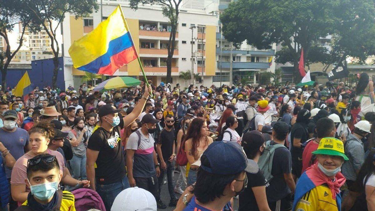 Colombia: reprimen manifestación cultural en Medellín