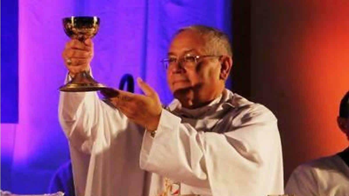 Debieron reintubar al arzobispo Melitón Chávez