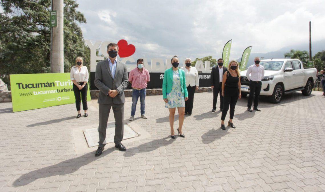 Turismo: Se entregaron estaciones medioambientales para cuidar El Cadillal