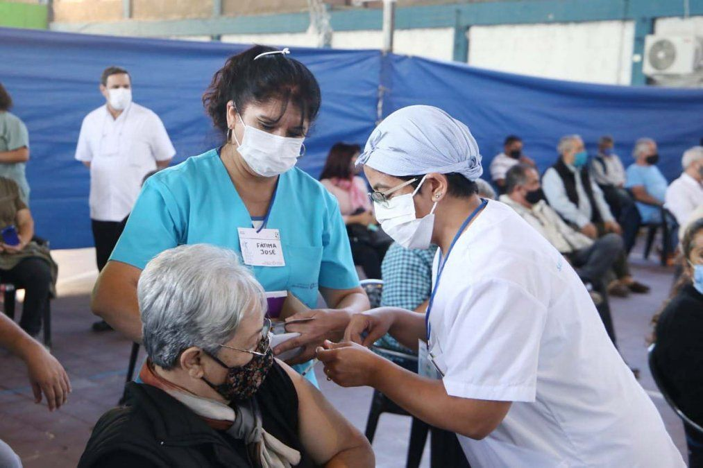 Avanza el plan de vacunación en la provincia. Foto MSPT