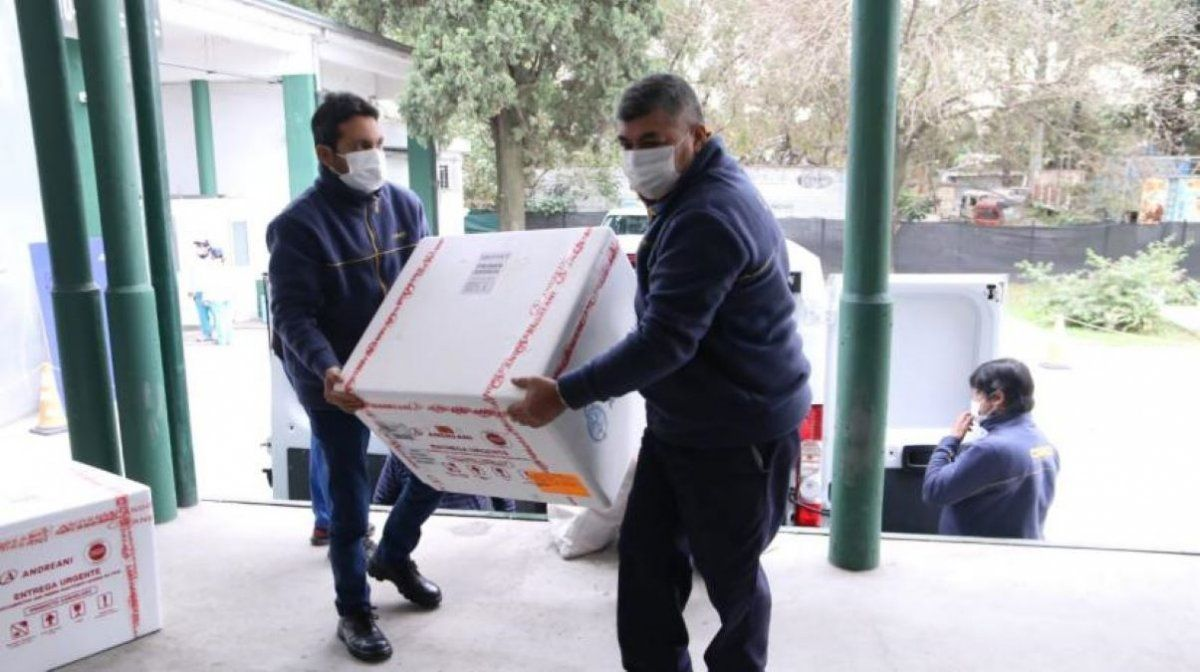 Sputnik V: llegan a Tucumán unas 20 mil segundas dosis