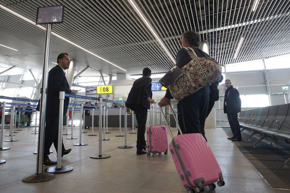 Chilenos con pase de movilidad podrán viajar al extranjero