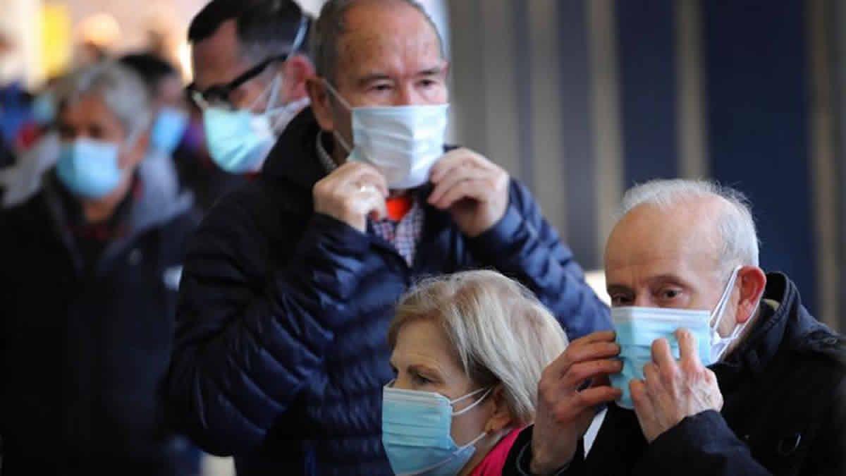 Jubilados: el Gobierno analiza el pago de un bono en abril