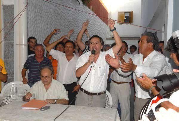 Protesta contra Alfaro ante el incumplimiento de ordenanzas