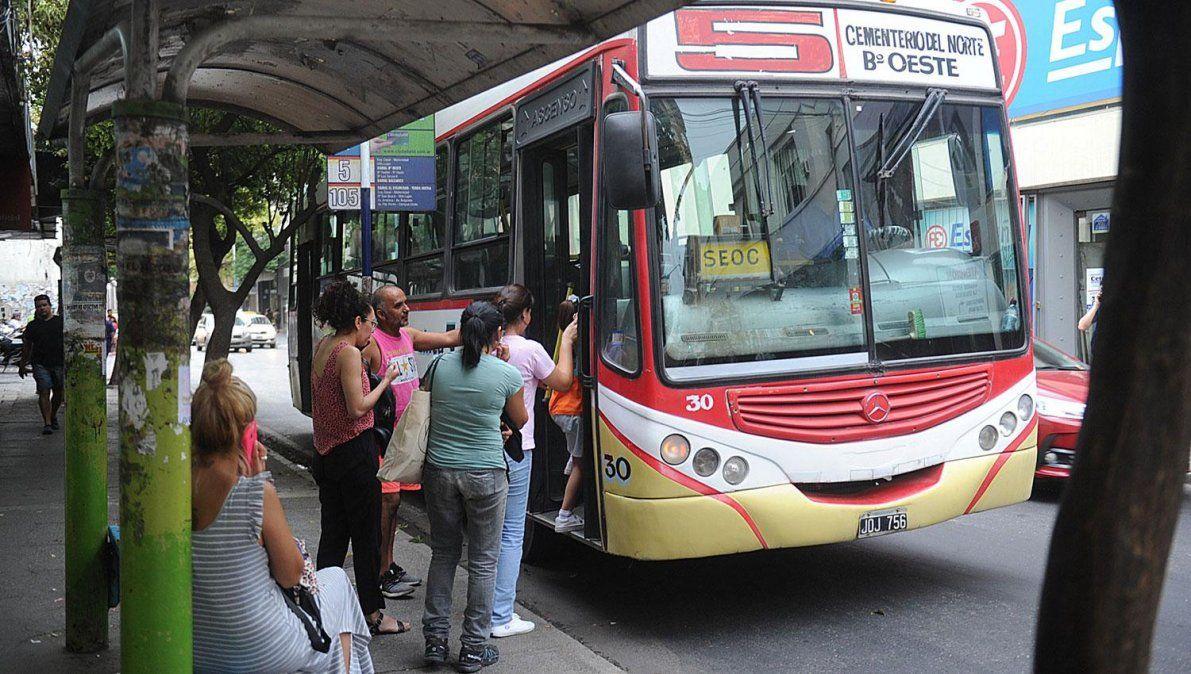 Transporte público: Los pasajeros sólo podrán viajar sentados