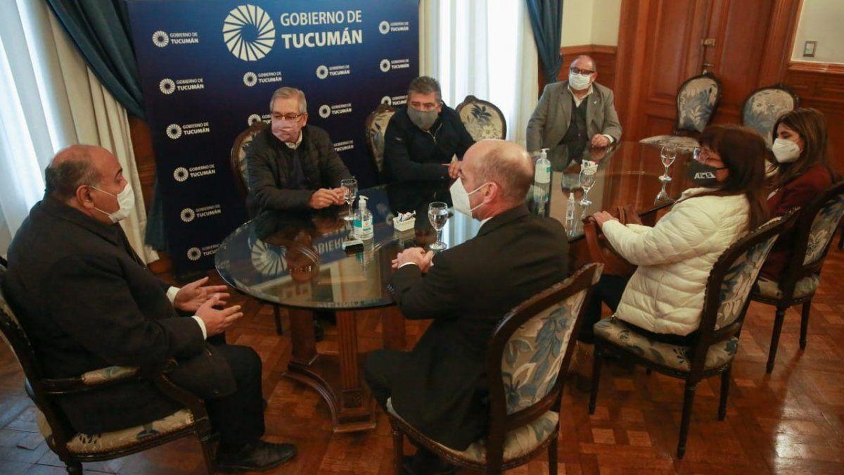 Adelantan el 15% para estatales tucumanos y lo cobrarán en agosto