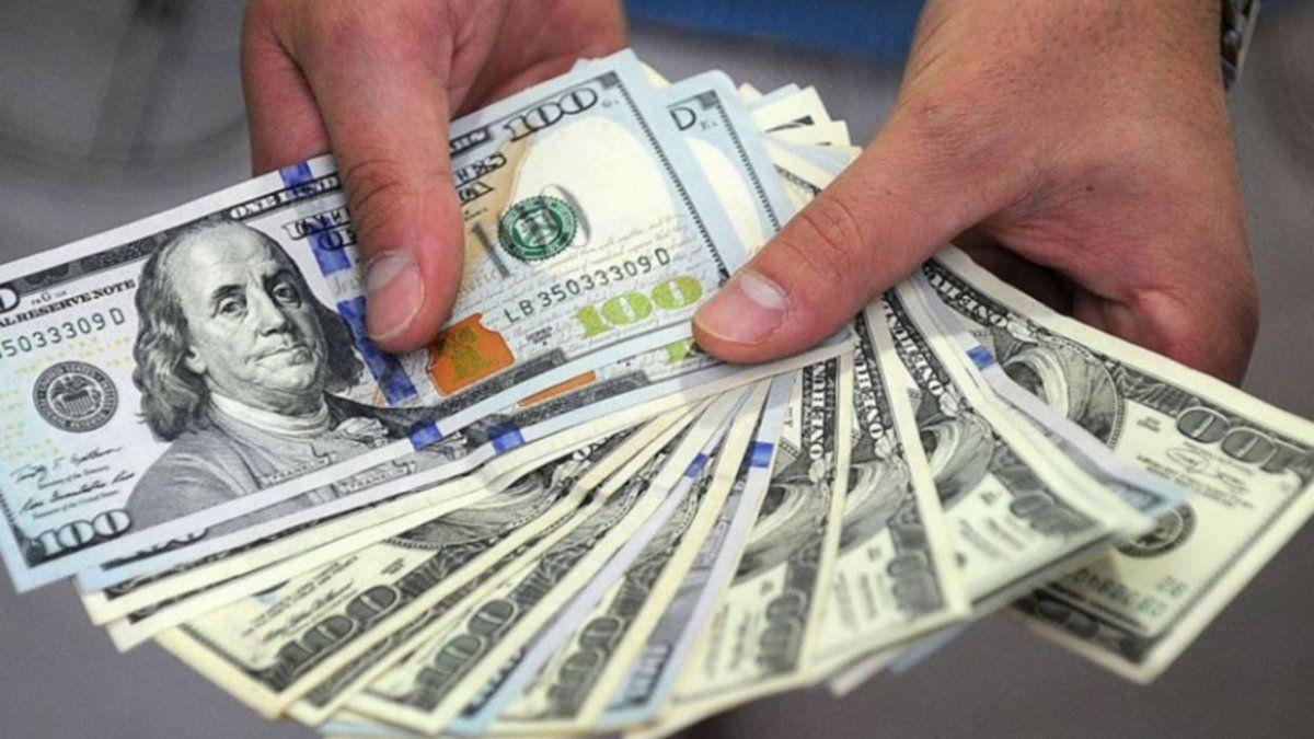 Dólar ahorro: casi cuatro millones de personas compraron en julio