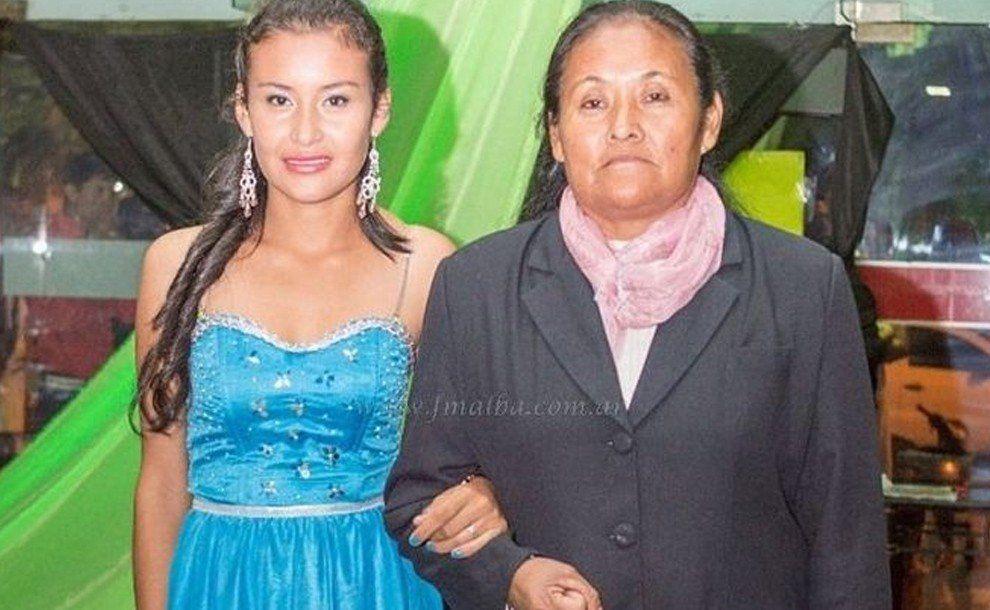 Una madre y su hija egresaron del secundario con mención honorífica
