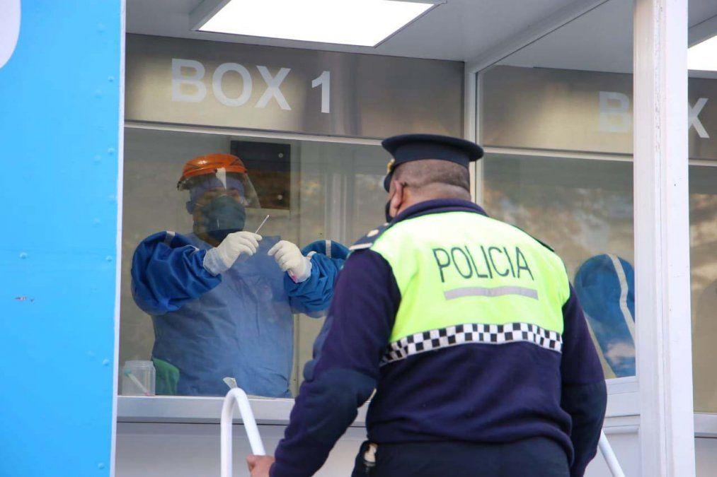 El equipo de la Policía se ve diezmado por los efectos de la pandemia. Foto MSPT