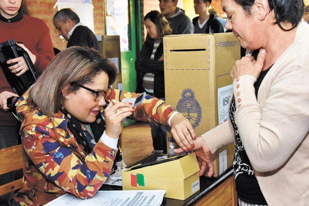 Voto electrónico para las elecciones en Salta.