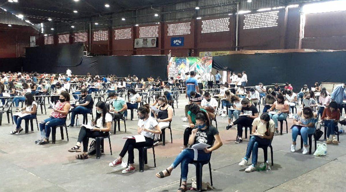 UNT: 800 aspirantes rindieron el examen para Enfermería