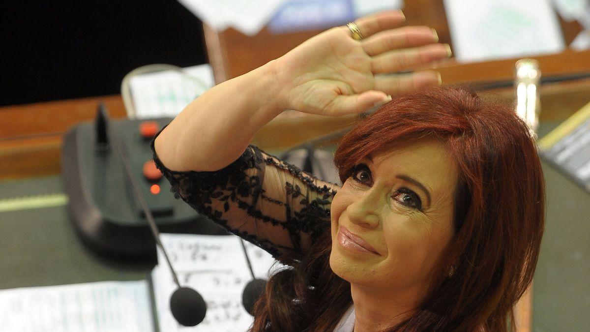 Respaldan a Cristina Kirchner al reconocer el término presidenta