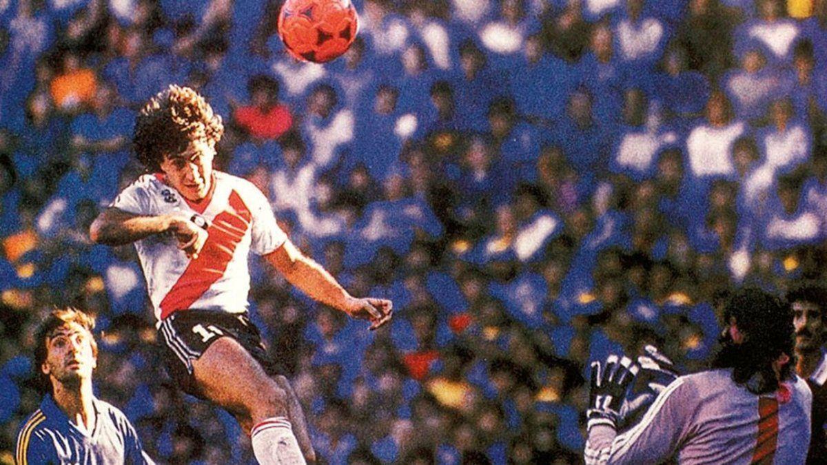 Se cumplen 35 años del gol del Beto Alonso con la pelota naranja
