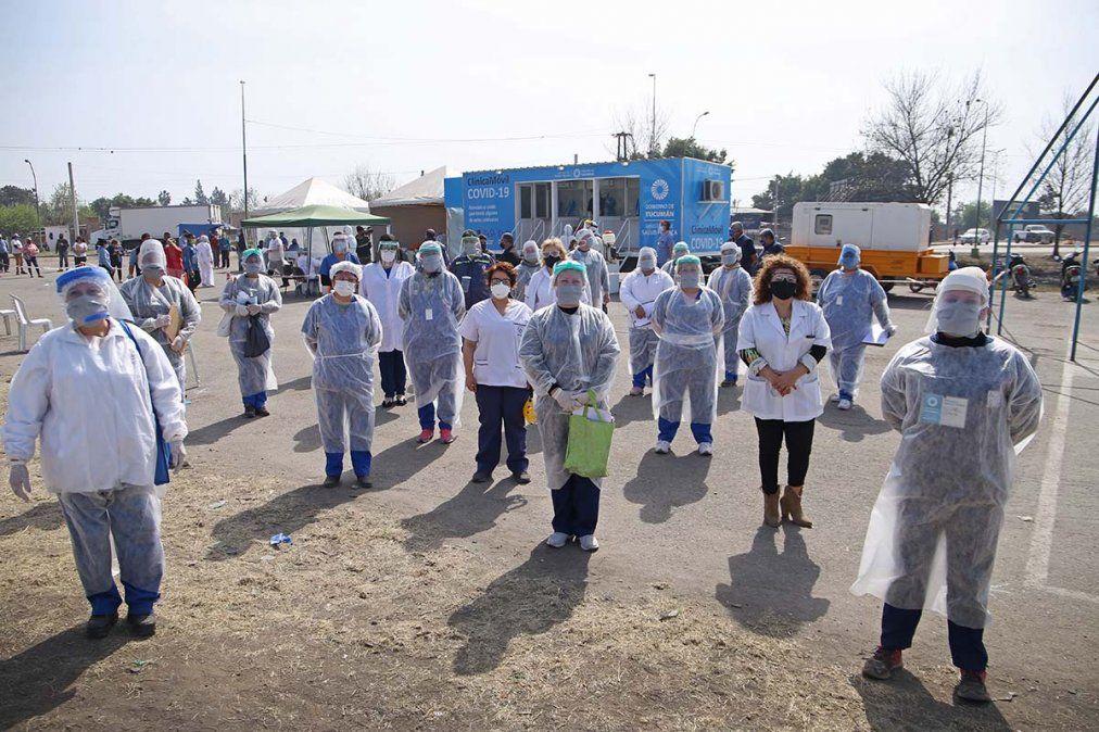 Personal de la Salud recorre los barrios de Tucumán. Foto MSPT