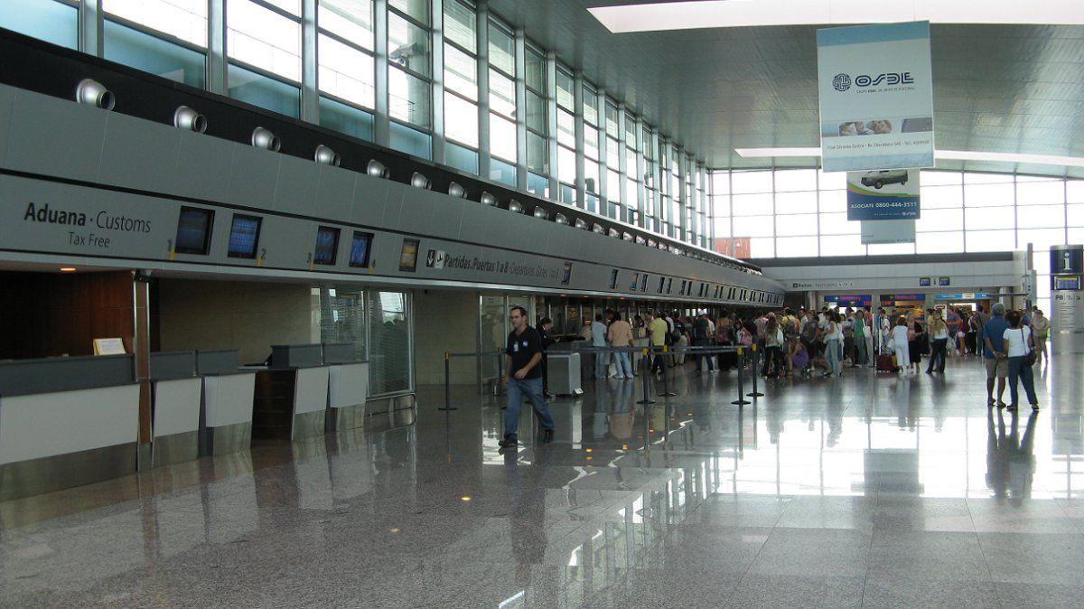 ¿Vuelven vuelos y micros?: provincias rechazaron la apertura