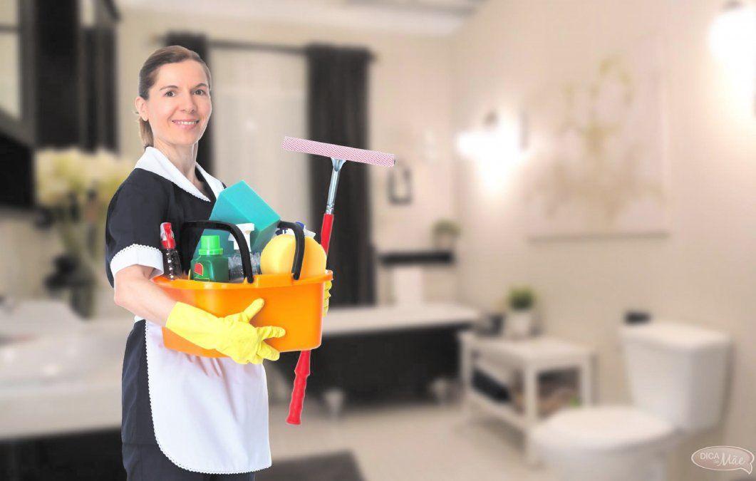 Evalúan una suba en los salarios de las empleadas domésticas