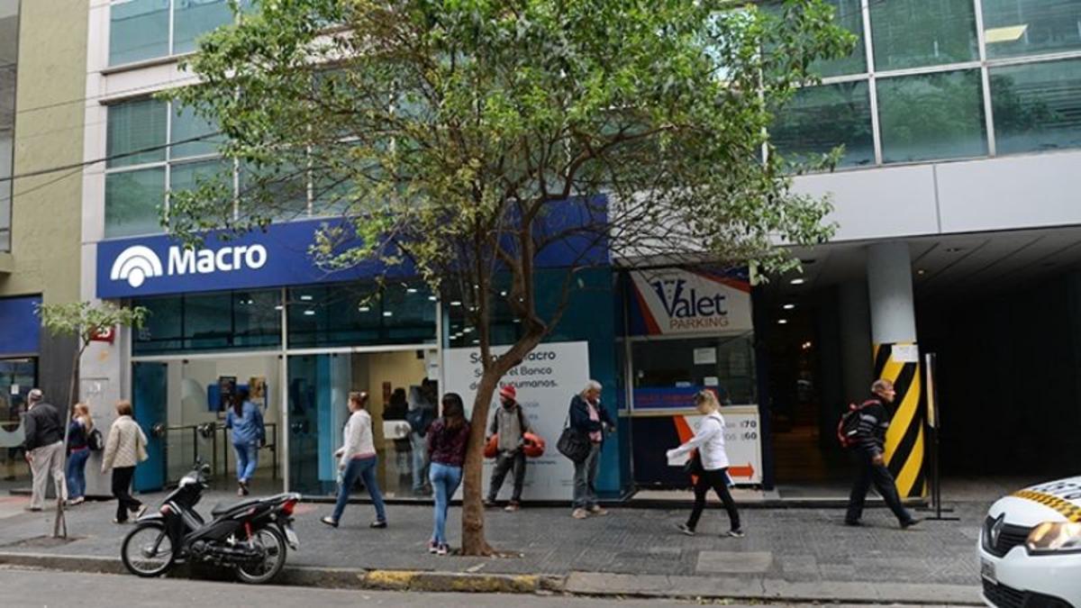 Estatales de Tucumán siguen cobrando esta semana el 80%