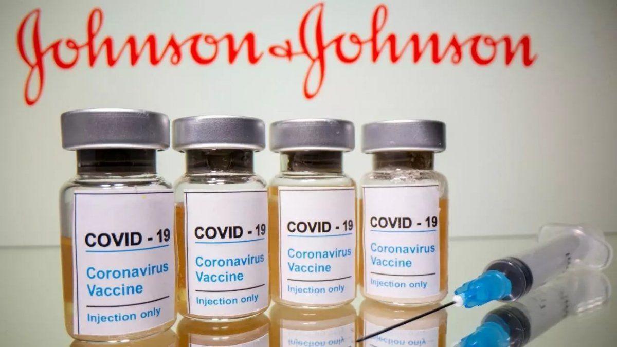 EEUU: Suspenden la vacunación por casos de trombosis