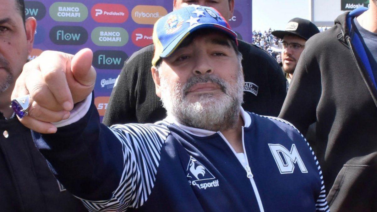 Pellegrino fue reelecto en Gimnasia: Maradona se queda