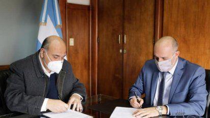 Obras: el gobernador firmó convenios con Nación