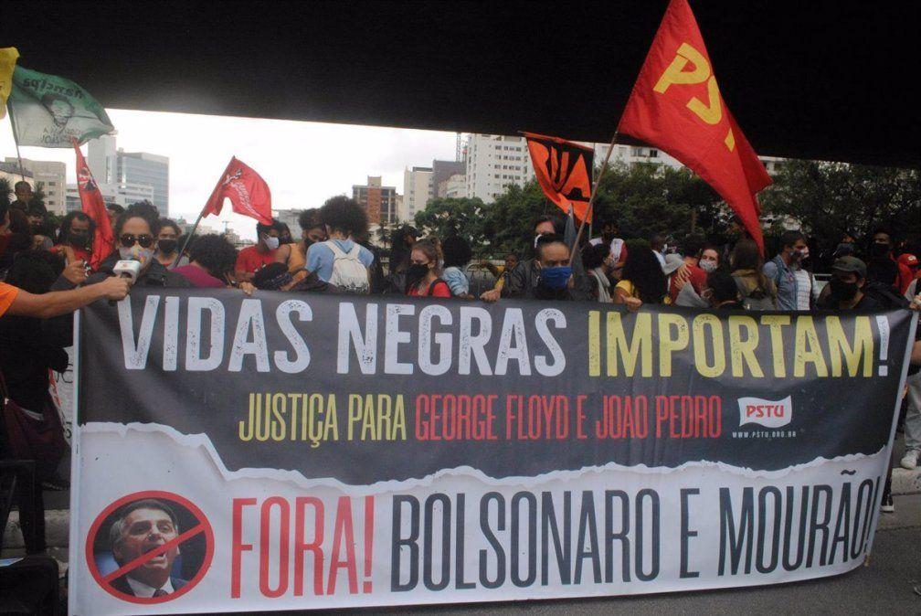 Brasil: protestas y disturbios por el crimen de un hombre afro