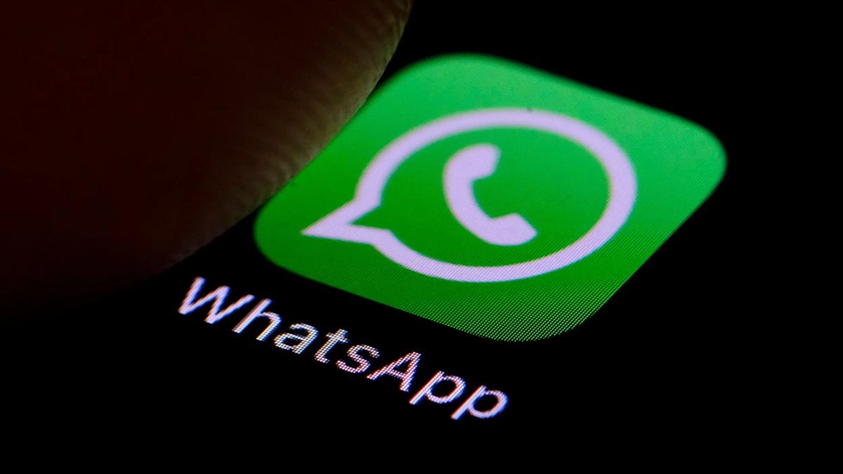 Cómo son las aplicaciones que monitorean el uso de WhatsApp