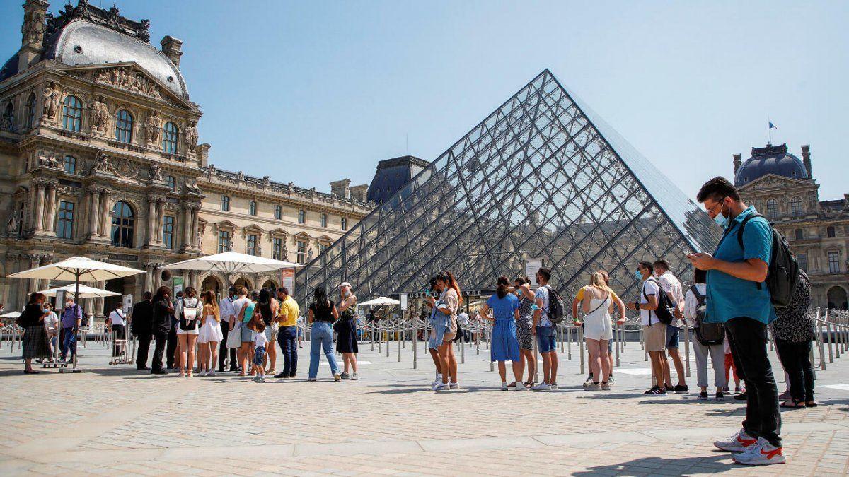 Ya se exige el pase sanitario en Francia para ingresar a museos.