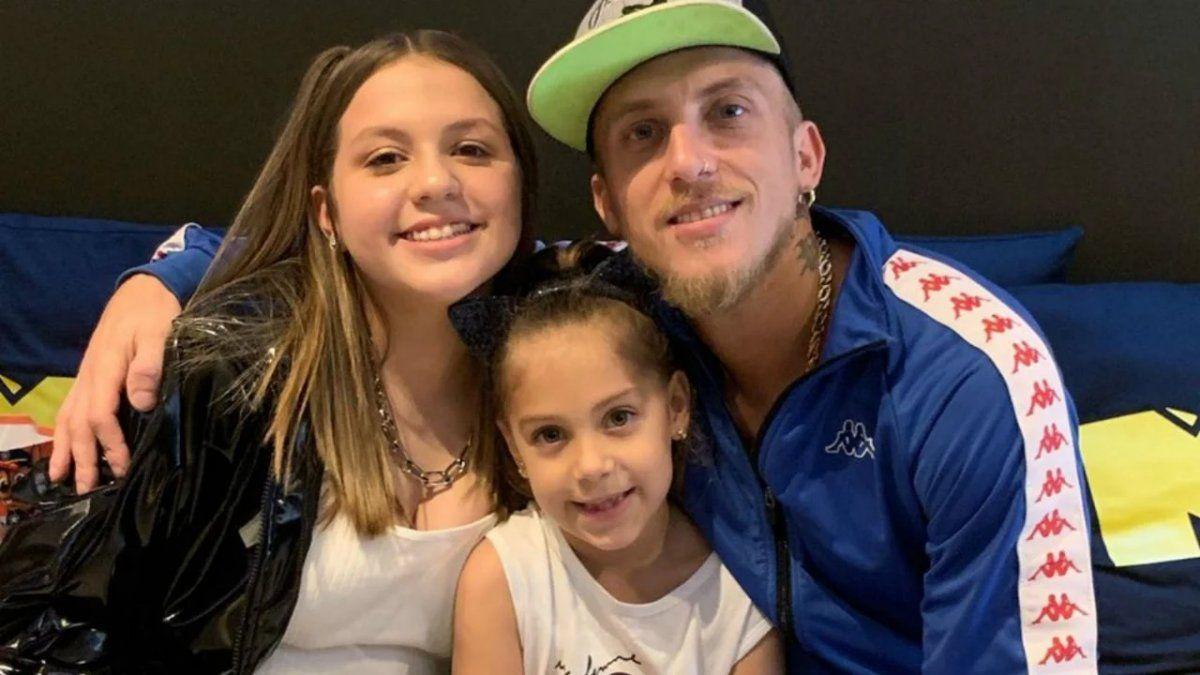 La hija de El Polaco criticó al cantante por su fiesta