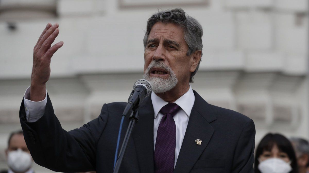 Sagasti afirma comandar un Gobierno de emergencia en Perú
