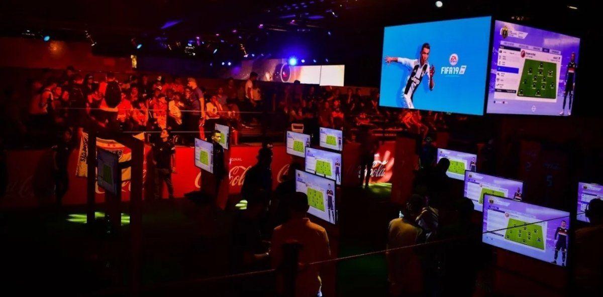 FIFA: Empezó la competencia y varios clubes van por el título en IESA. Foto: ole.com.ar