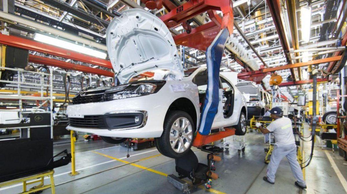 La producción automotriz aumentó en mayo un 19%.
