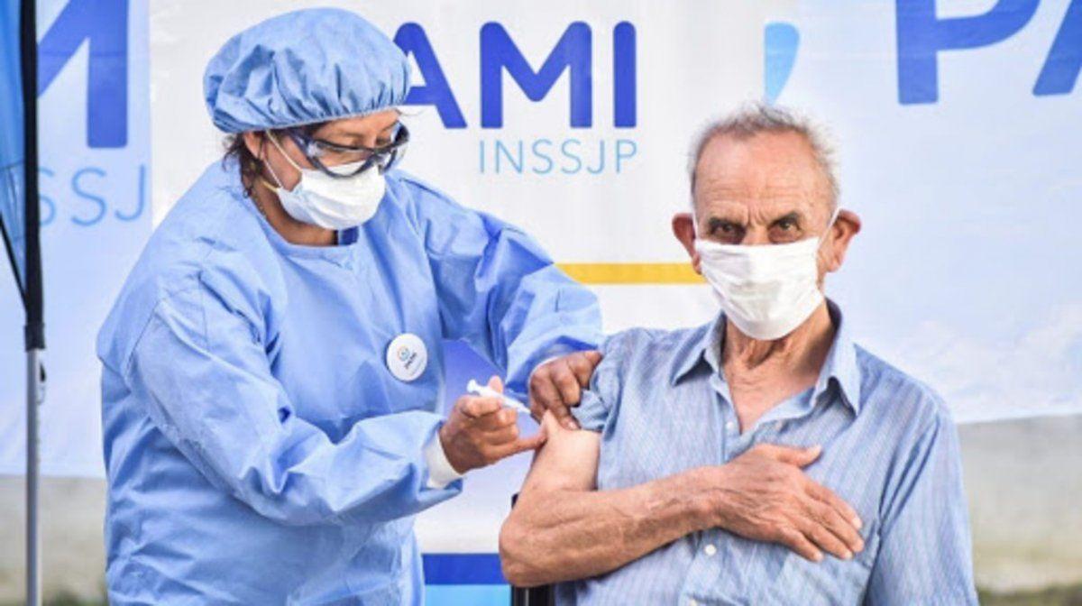 Vacunación: sólo se reportaron 0,53% efectos adversos