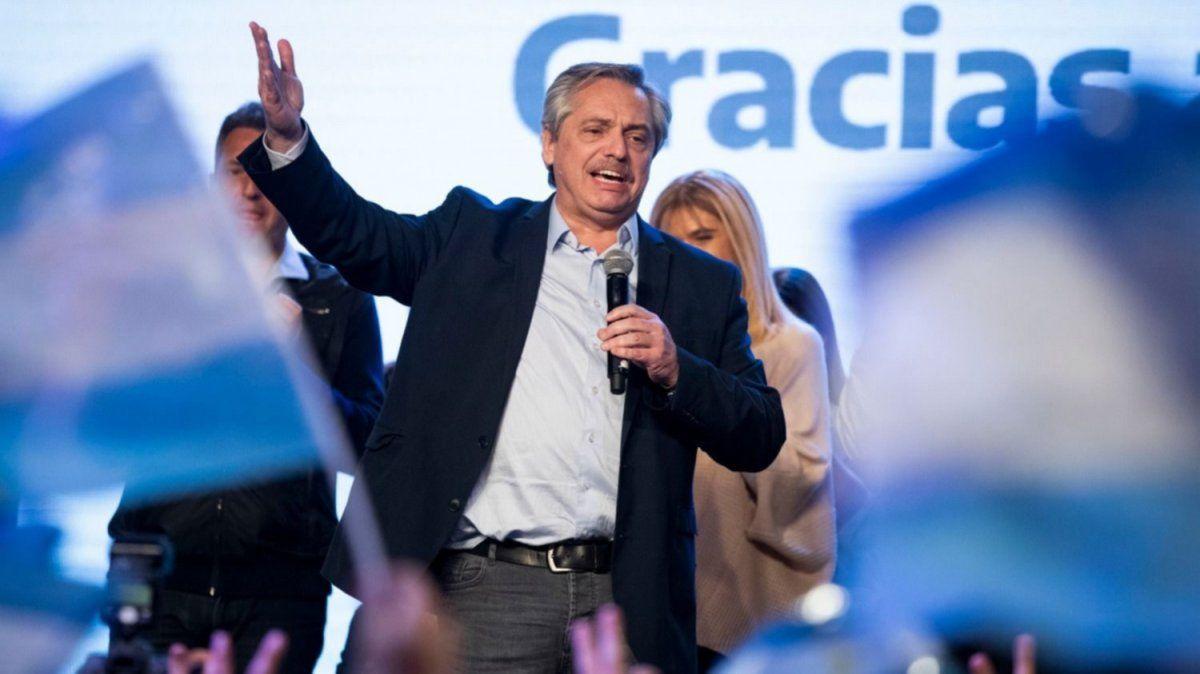 Alberto Fernández asume la presidencia con una imagen positiva del 47%