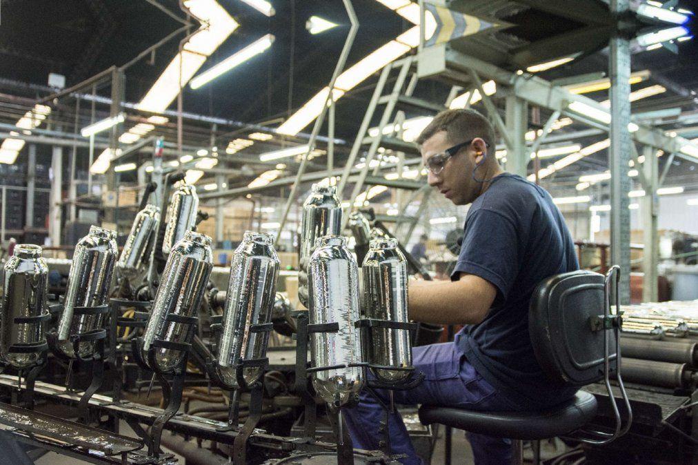 Las medidas para impulsar la economía serán escalonadas. Foto: eleconomista.com.ar