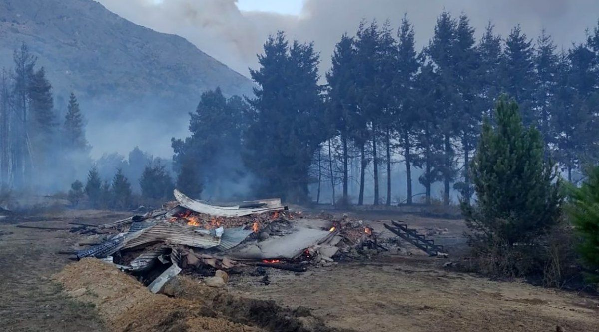 Chubut: Gobierno entregó más de ocho millones de pesos a artesanos afectados
