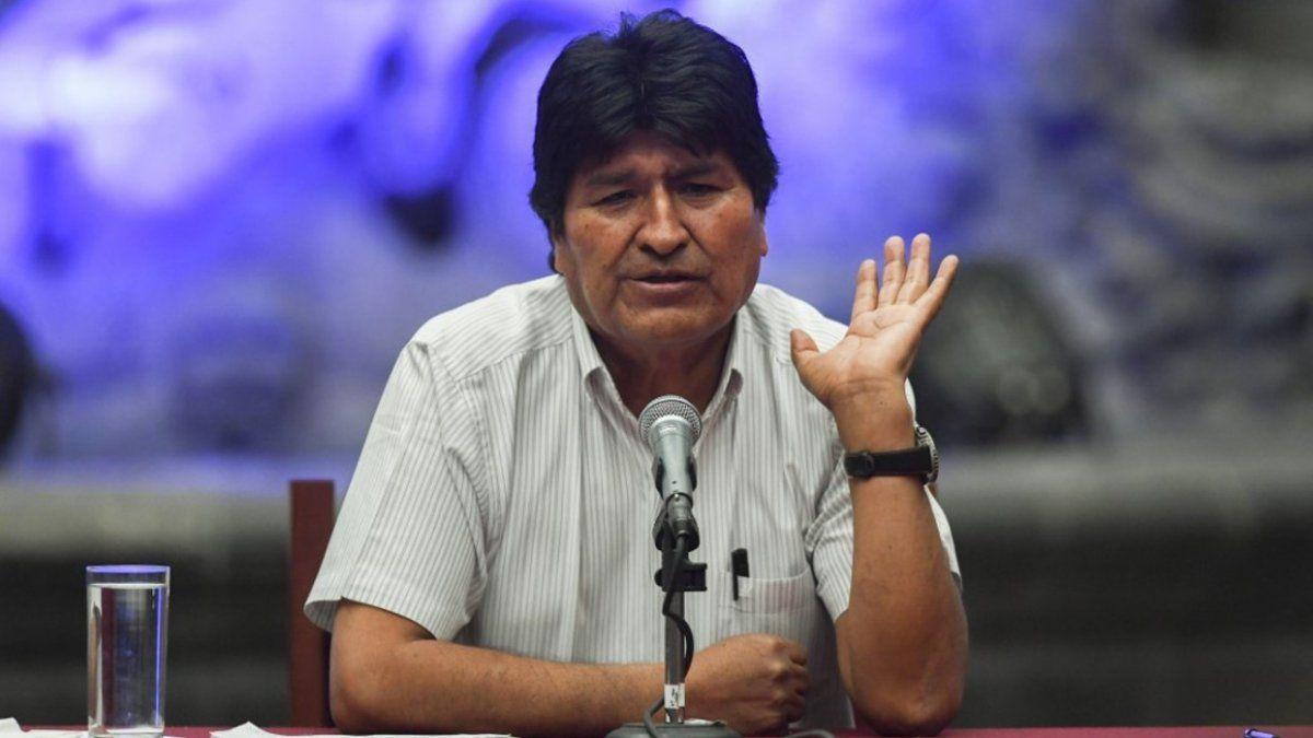 La UCR pedirá sacarle el estatus de refugiado a Evo Morales por pedir milicias armadas del pueblo en Bolivia