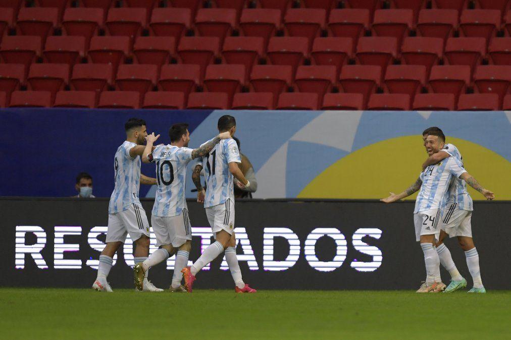 Argentina se metió en los cuartos: Triunfo 1-0 ante Paraguay