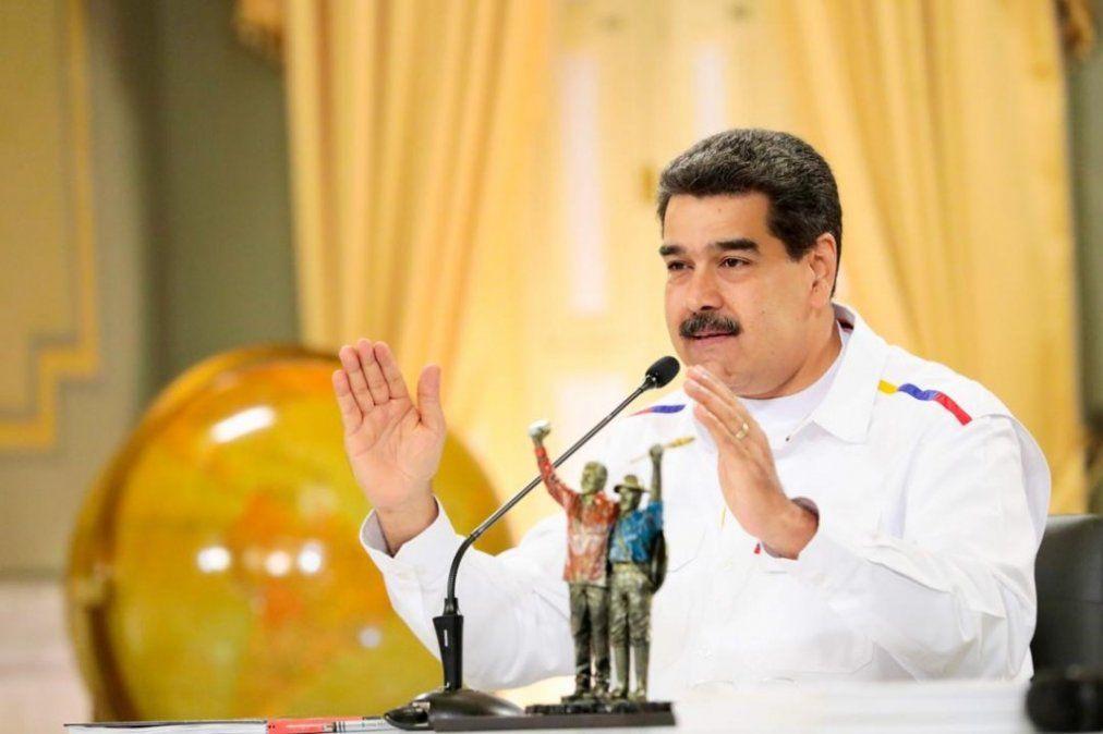 Maduro le mandó un regalo a Roger Waters por criticar las sanciones de EEUU
