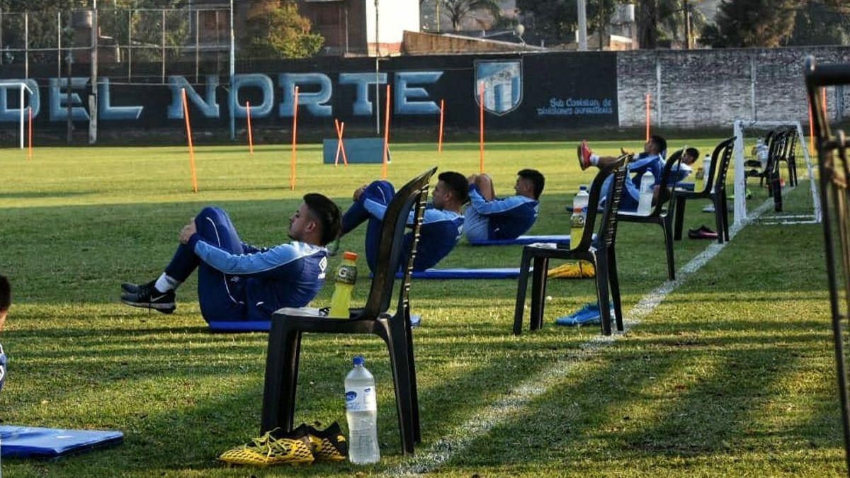 Atlético entrenó por primera vez en medio de protocolos