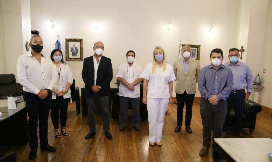 PRESENTACIÓN. Las autoridades dieron la noticia del nuevo Centro de Trasplante de Médula Ósea ayer.