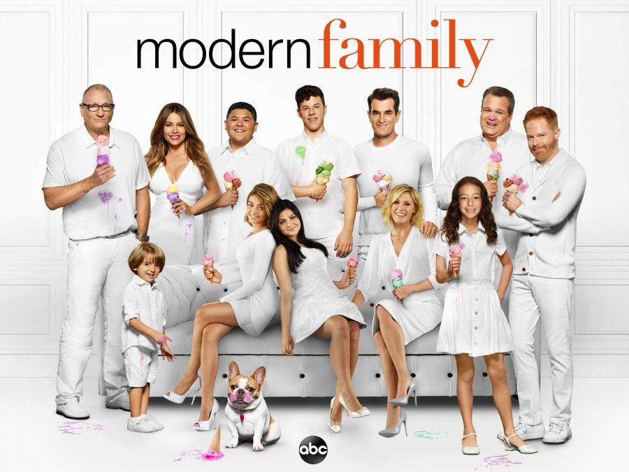 Los personajes de la serie Moder Family.
