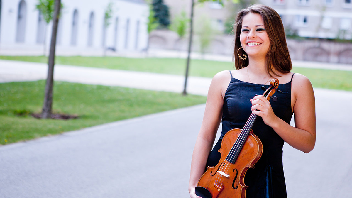 Septiembre Musical: violinista brasilera dará una clase magistral