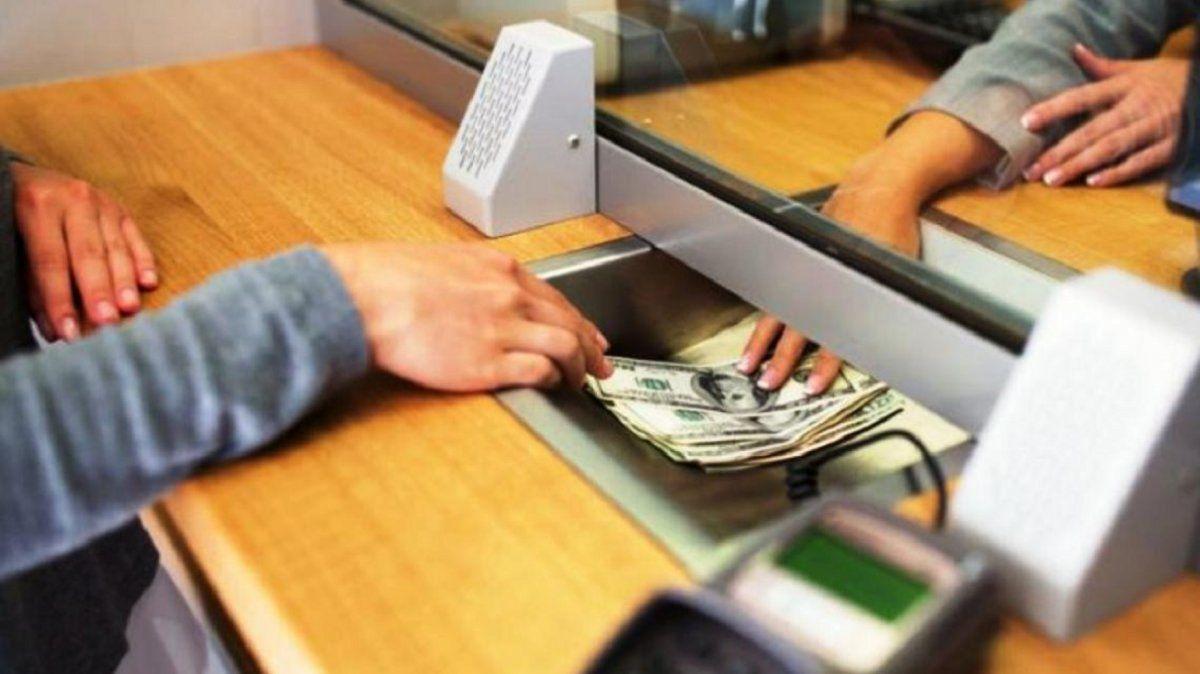 Se viene un feriado bancario ¿disparado por el cepo?