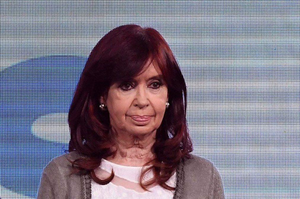 Cristina Kirchner publicó una carta y rompió el silencio tras la interna con el presidente
