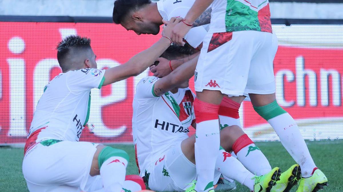 Vélez le ganó 1 a 0 a Patronato y se acercó a la cima del torneo