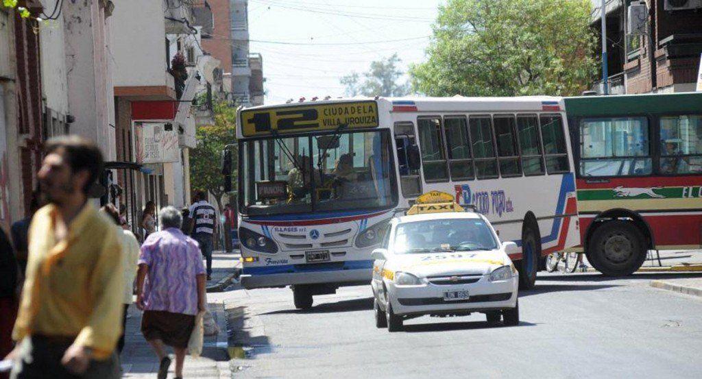 Aumentó el boleto de colectivo y la tarifa de taxi