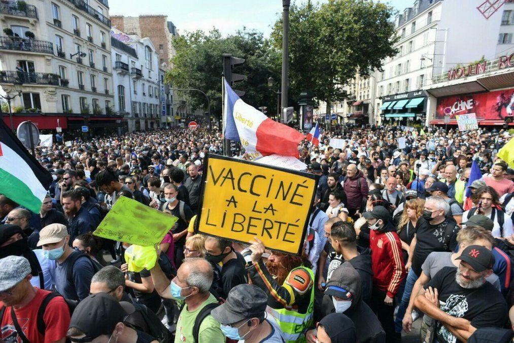 Protestas en Francia contra medidas anti Covid-19